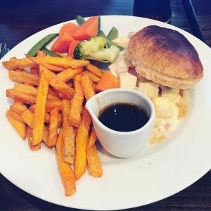 Holborn bar Aberdeen meal